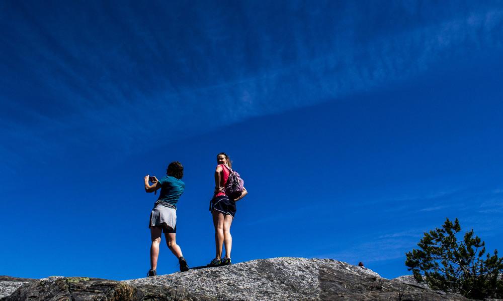 Guided hiking on active tours of Vancouver.