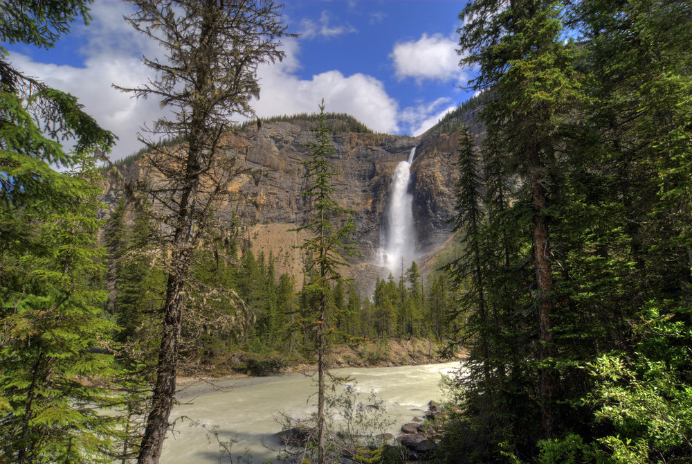 Waterfall adventure in the Yoho National Park