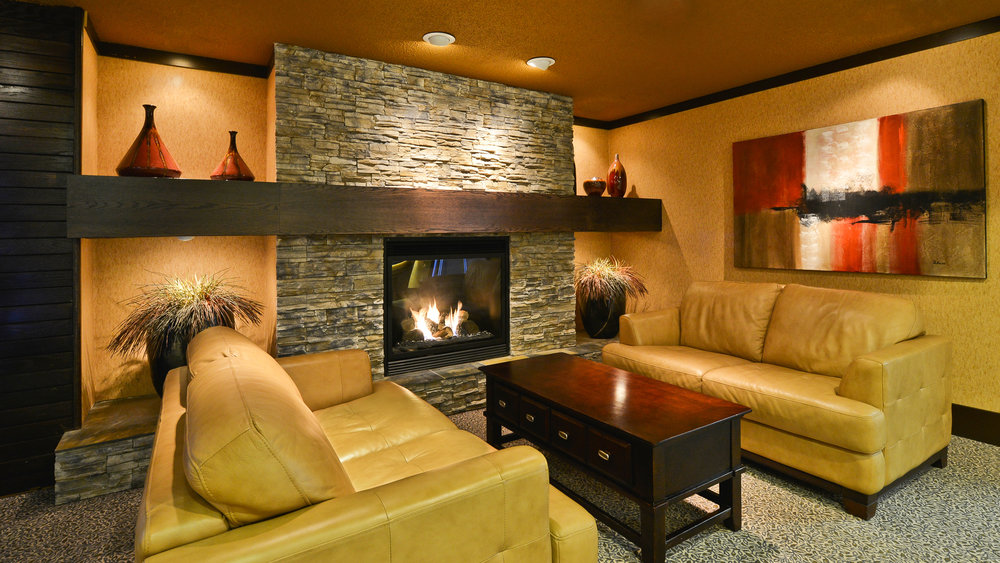 Lobby - Prestige Mountain Resort Rossland.jpg