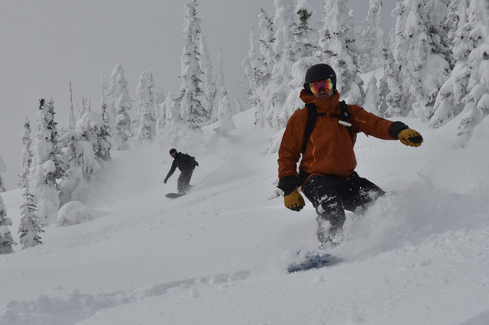 Group snowboard tour in Canada.
