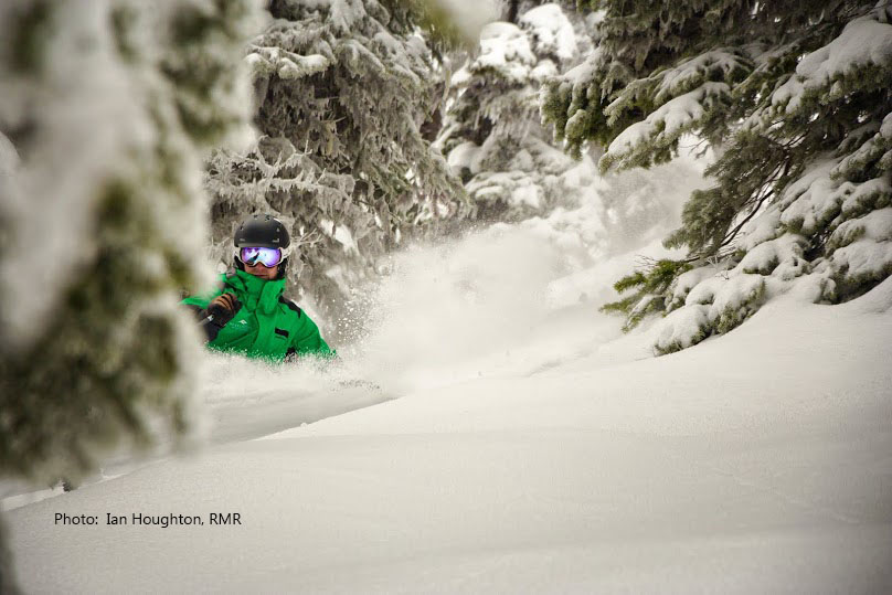 Guided ski tour on the Powder highway