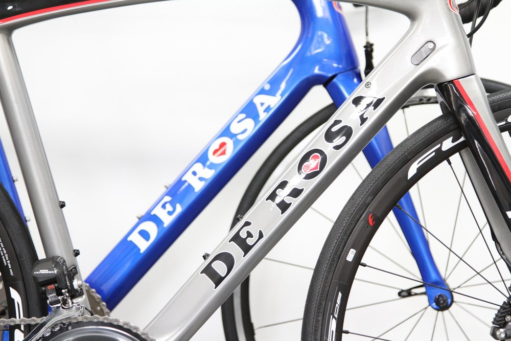 DE ROSA  De Rosa has been producing some of the finest examples of hand built frames from it's workshop in Milan since 1953. The Small company is proud of its ability to construct racing frames in all four frame materials: steel, titanium, aluminium and carbon