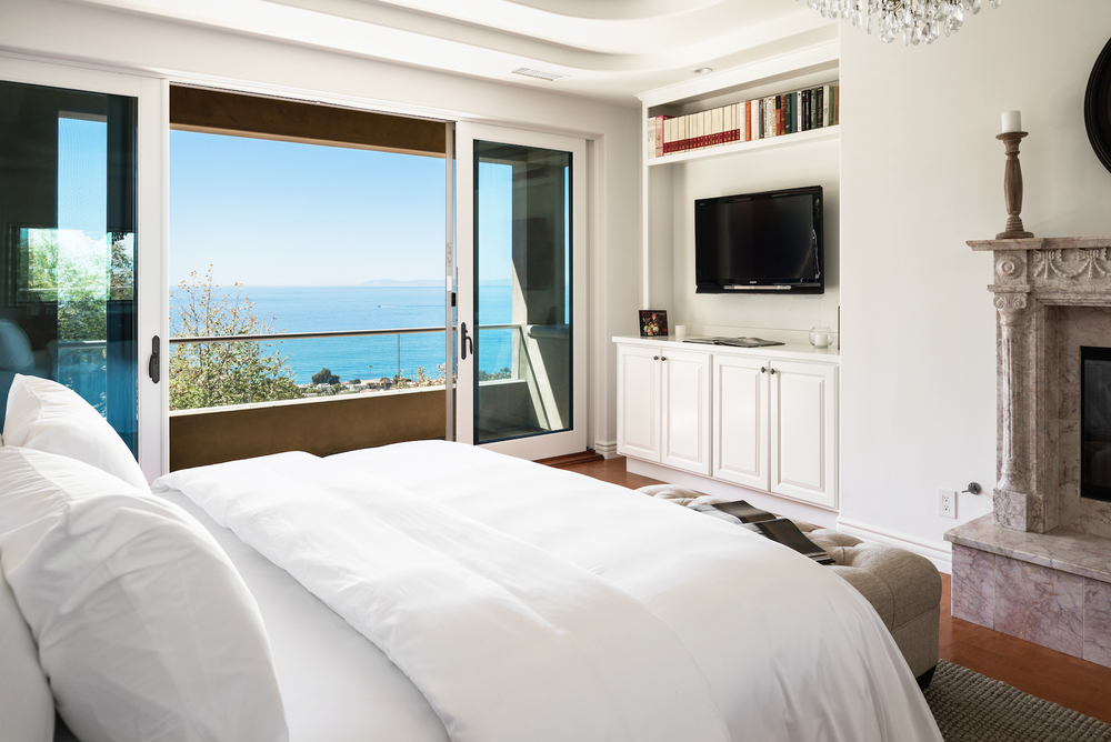 Master-Bedroom-Laguna-Beach-View.jpg