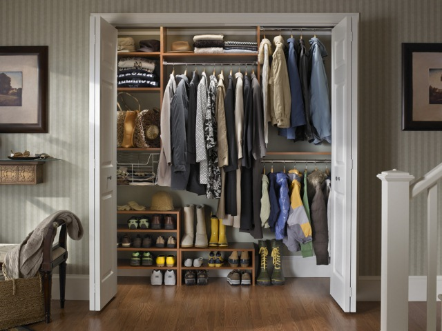 6_coat-closet-in-warm-cognac-with-shoe-stackers-and-basket.jpg