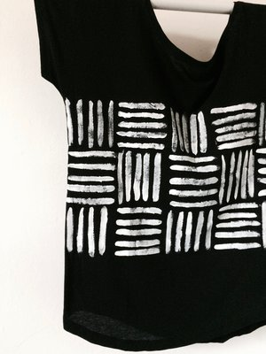 Bold and Graphic Black and White Hand Painted Men's T-Shirt on Organic Cotton t1jkZ12ukM