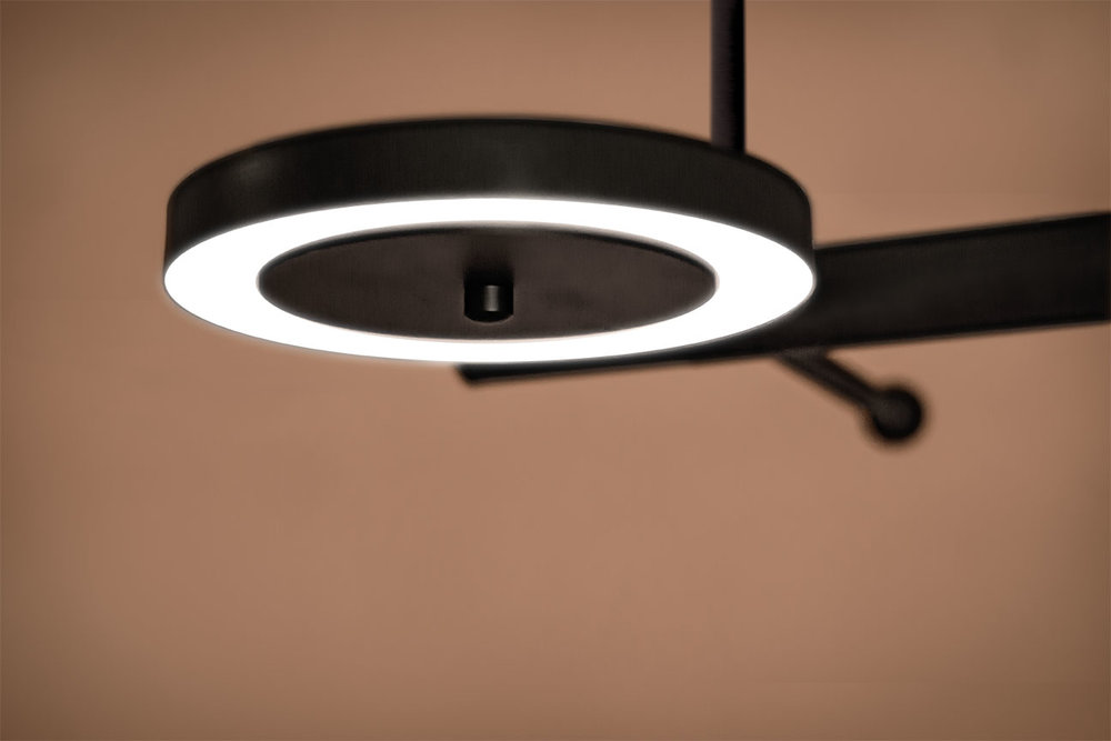 LaroseGuyon_LeRoyer_Large01_LightingFixture_05.jpg
