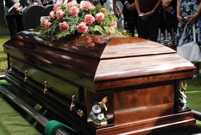 casket pic.jpg
