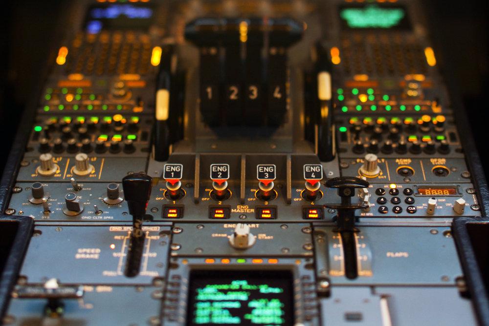 airbus_cockpit_516424.jpg