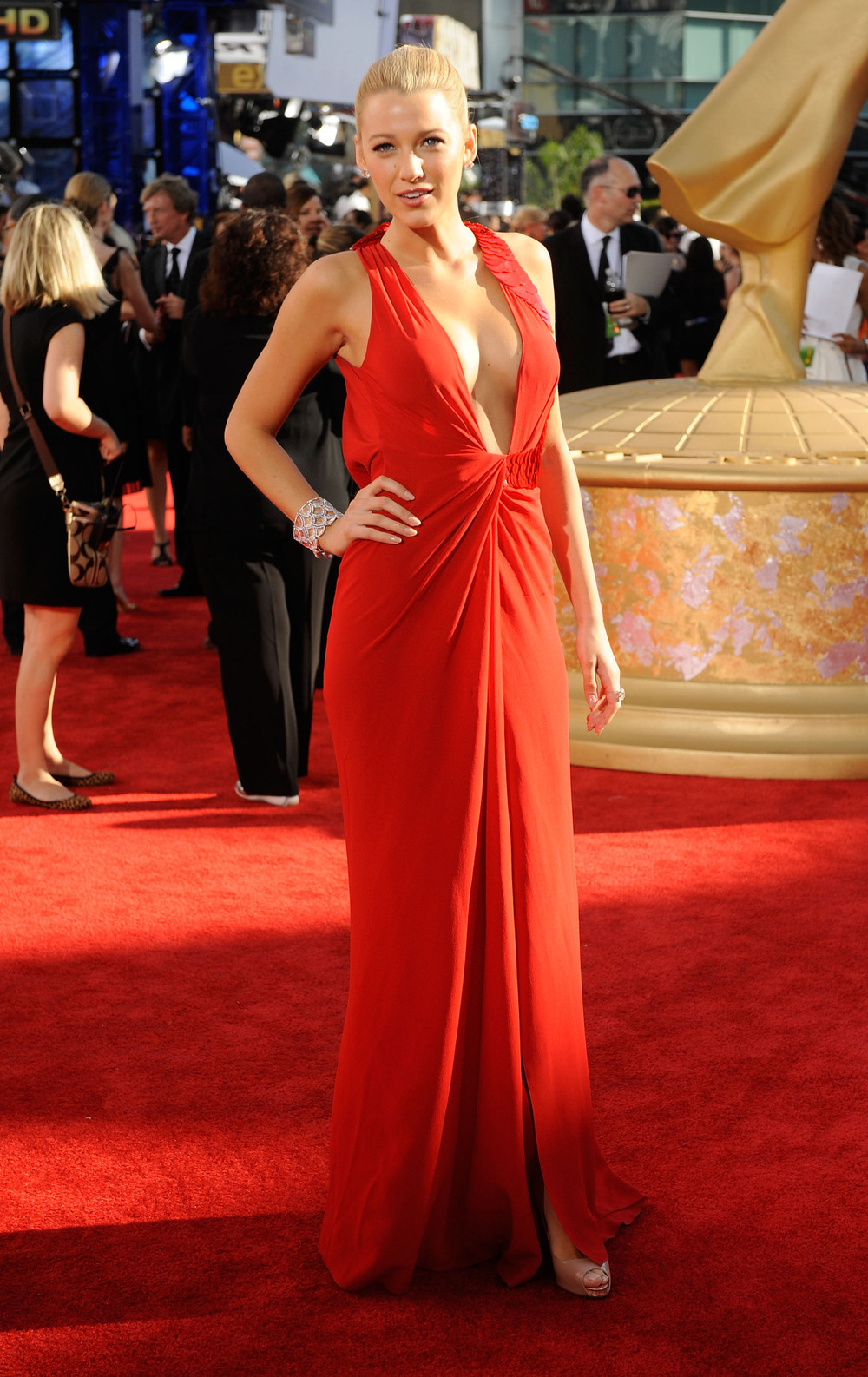 Red-Carpet-Photos-Blake-Lively-Red-Emmy-Awards-Red-Carpet.jpg