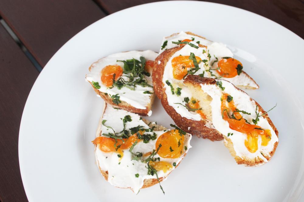 Ricotta Toast :fresh ricotta, vanilla kumquat compote, mint