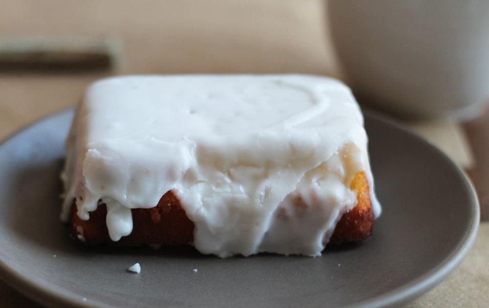 Iced lemon cake (gluten free)