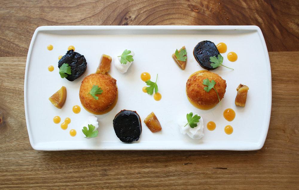 Croqueta: creamy clam & sea-urchin fritter, pickled ramp, seaweed powder