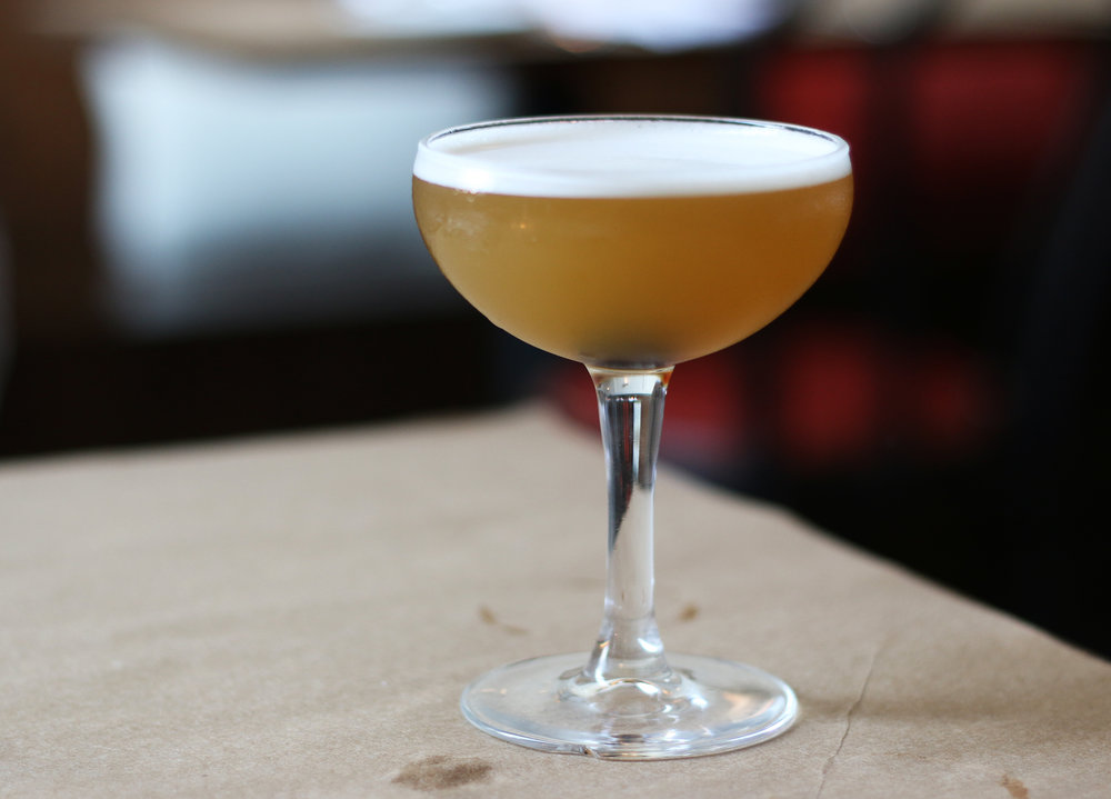Equilibrio : Bourbon, Pineapple, Anise & Carpano Dry Vermouth