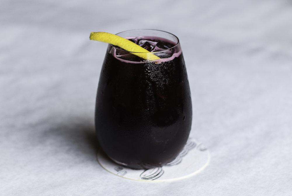Lambrusco Spritz Lambrusco, Cocchi Americano, Grapefruit, Soda