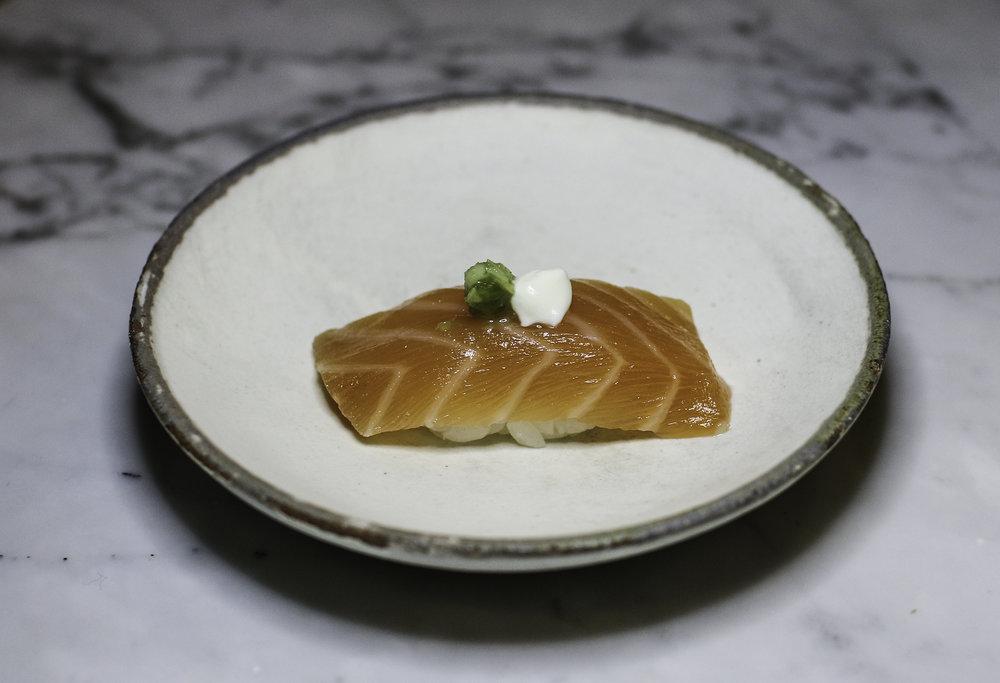 _Salmon Sushi.jpg
