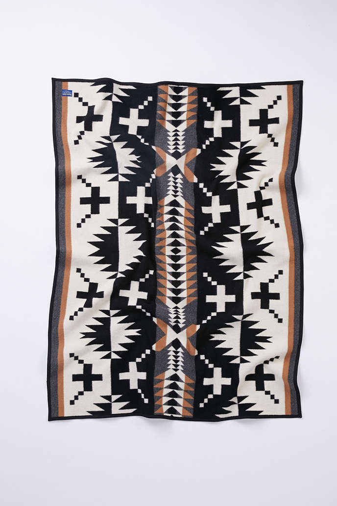 Urban Outfitters Pendleton Blanket.png