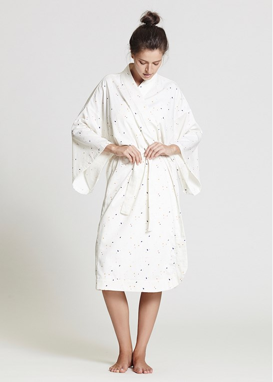 The Ethical Fashionista's Guide to Organic Clothing | Kimono Robe from Alas