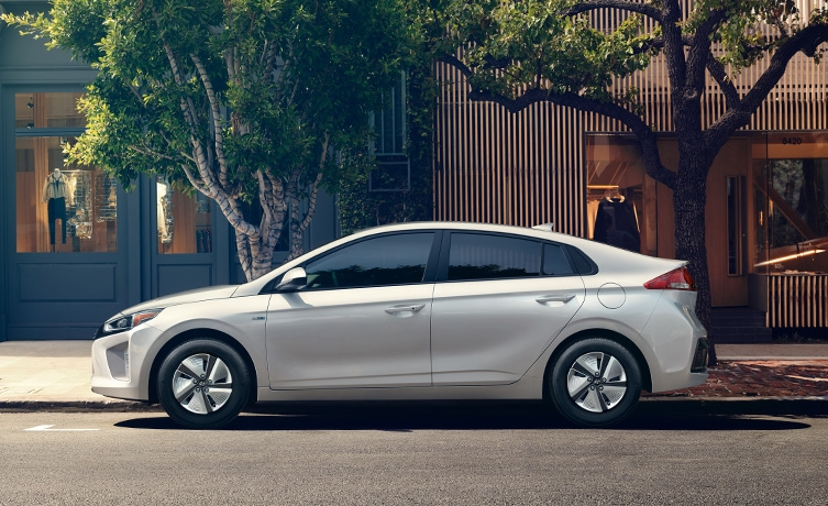5 Affordable Hybrid Cars That Will Help You Reduce Your Carbon Footprint In 2018