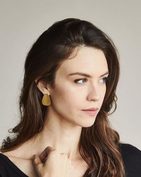 Upcycled Brass Drop Earrings from Nisolo // Handcrafted Jewelry Brands For The Minimalist