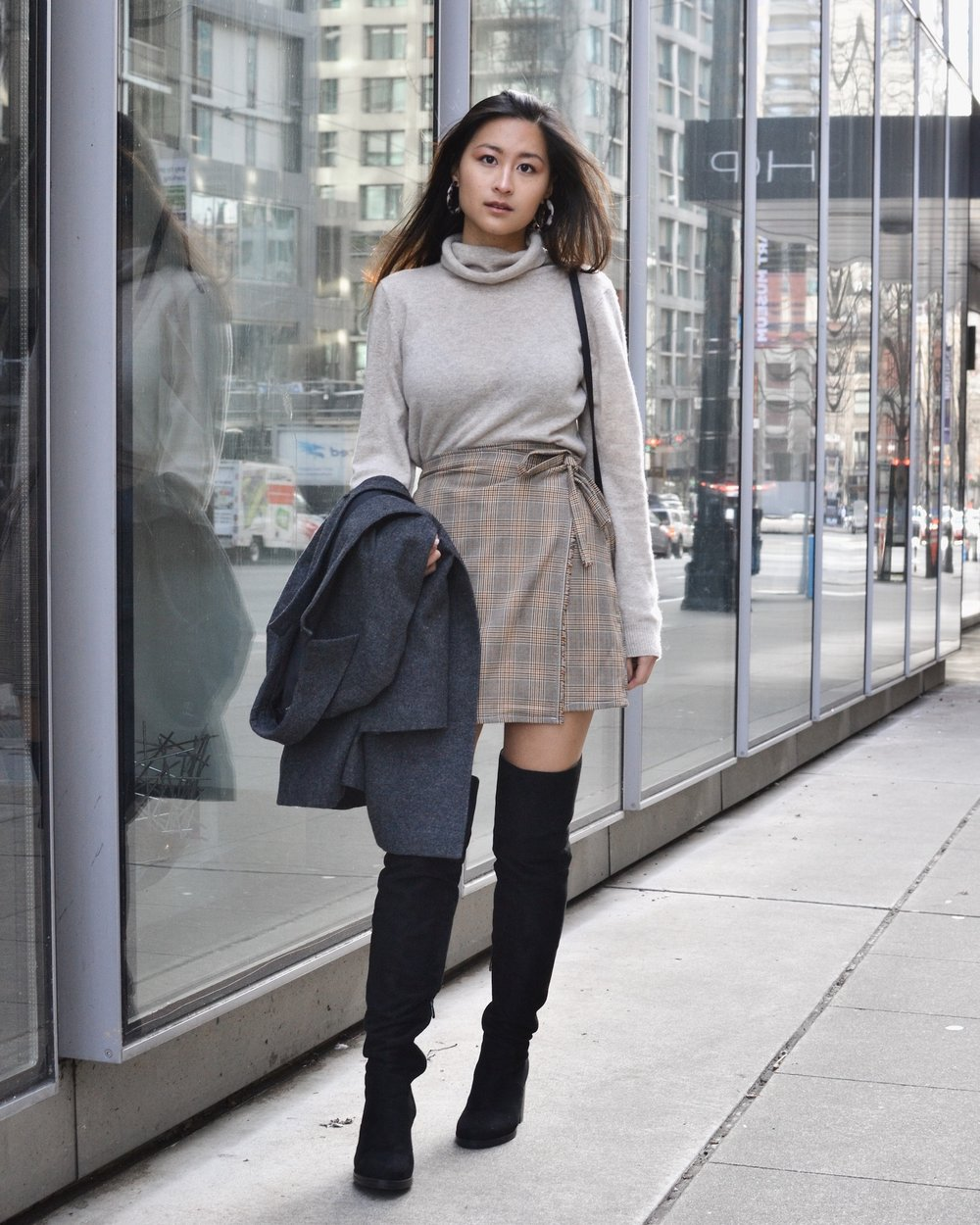 Ethical sweater for casual cool weather wear // A Week Of Empowered Outfits With Cat Chiang From Restitchstance on The Good Trade