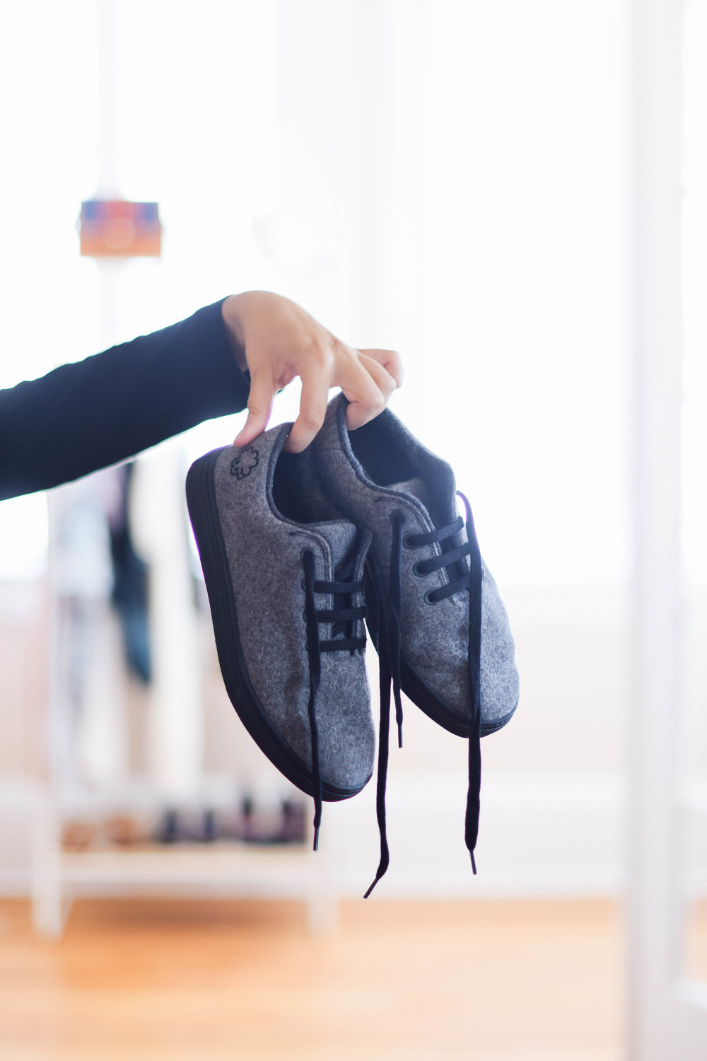 Eco-friendly sneakers // A Week Of Sustainable Maternity Outfits With Natalie Kay Smith From Sustainably Chic on The Good Trade