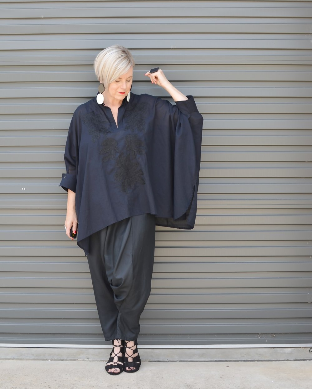 Tunic top and harem pants // A Week Of Elevated Classic Outfits With Deborah Gates From Stylish Murmurs on The Good Trade
