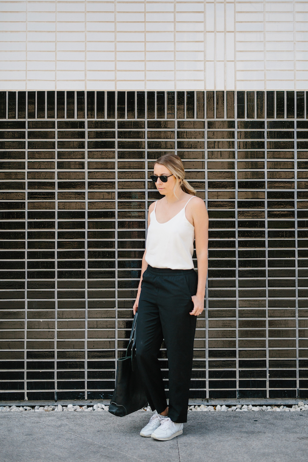 Comfortable and casual minimalist black and white outfit // A Week Of Summertime Minimalist Outfits With Ava Darnell, Founder Of Slumlove Sweater Company on The Good Trade