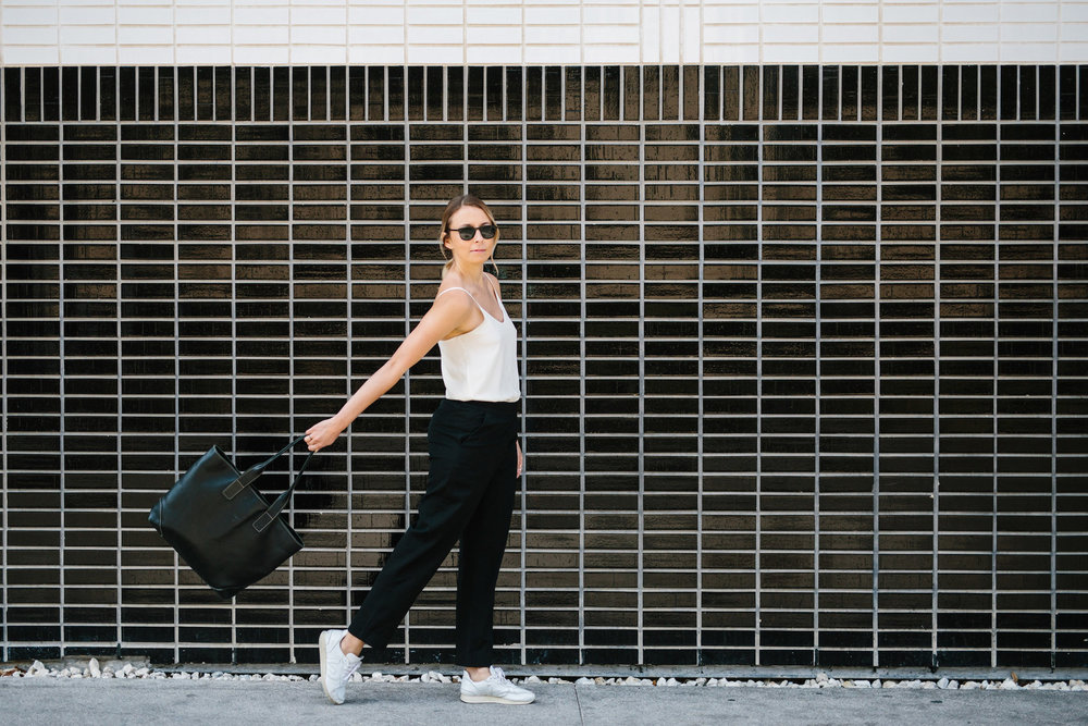 Minimalist outfit for running errands // A Week Of Summertime Minimalist Outfits With Ava Darnell, Founder Of Slumlove Sweater Company on The Good Trade