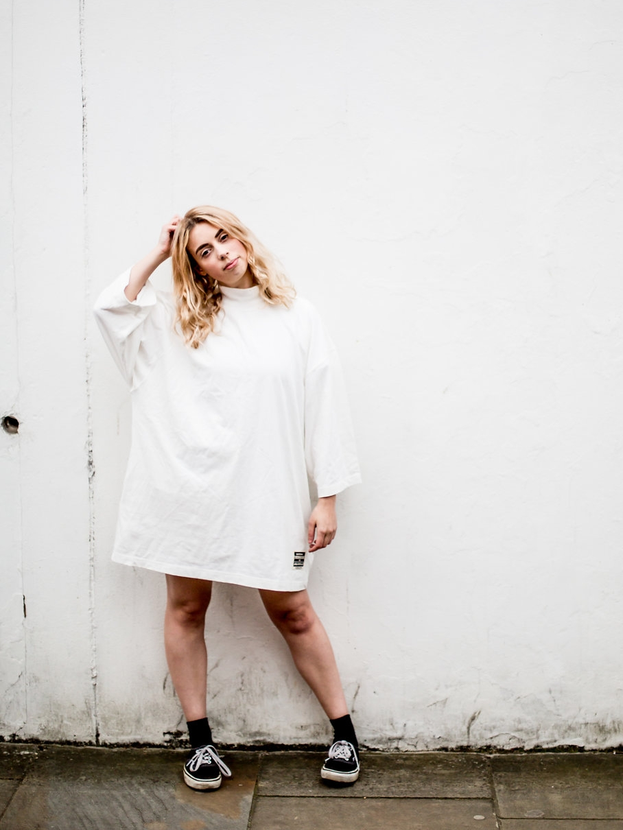 White oversized dress casual look  // A Week Of Vibrant & Global Outfits With Francesca Willow From Ethical Unicorn on The Good Trade