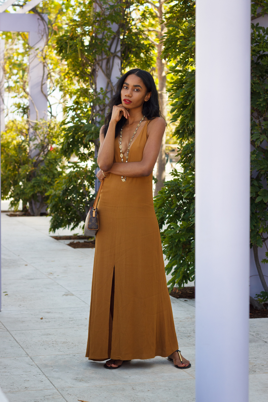 Simple mustard colored dress for summer // A Week Of Hollywood-Inspired Outfits With Conscious Style Blogger Jeneice Thompson on The Good Trade