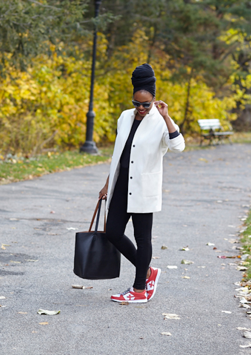 Fall Outfit Inspiration From Sustainable Style Bloggers - Conscious N Chic Monochrome Minimalist Outfit
