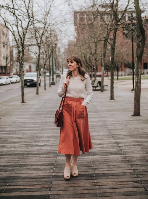 Fall Outfit Inspiration From Sustainable Style Bloggers - Red and orange outfit for fall by Seasons + Salt