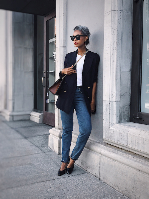 Fall Outfit Inspiration From Sustainable Style Bloggers - The Tennille Life in a casual navy blazer with jeans