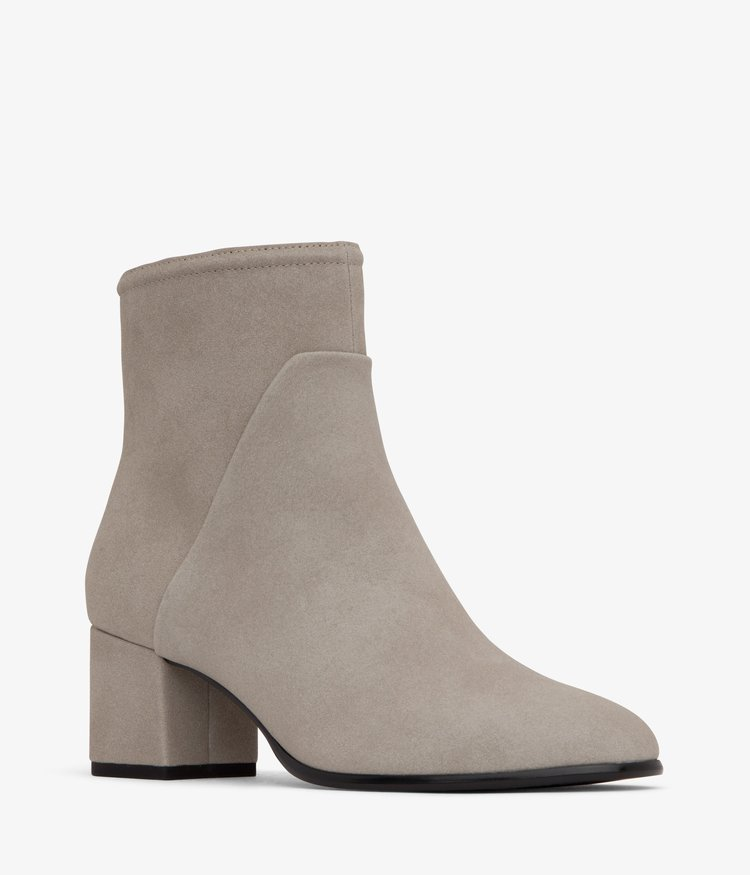 a1c9e6098a4 Step Into Fall With Style In These 10 Ethically-Made Vegan Boots