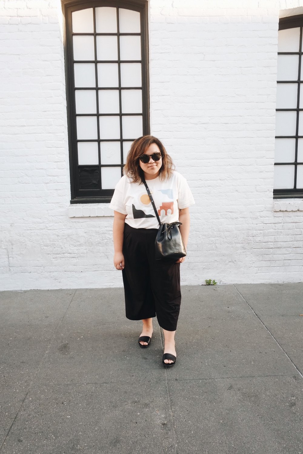 Black and white minimalist wardrobe // A Week Of Minimalist Uniform Outfits With Jasmine Hwang From The Pleb Life on The Good Trade