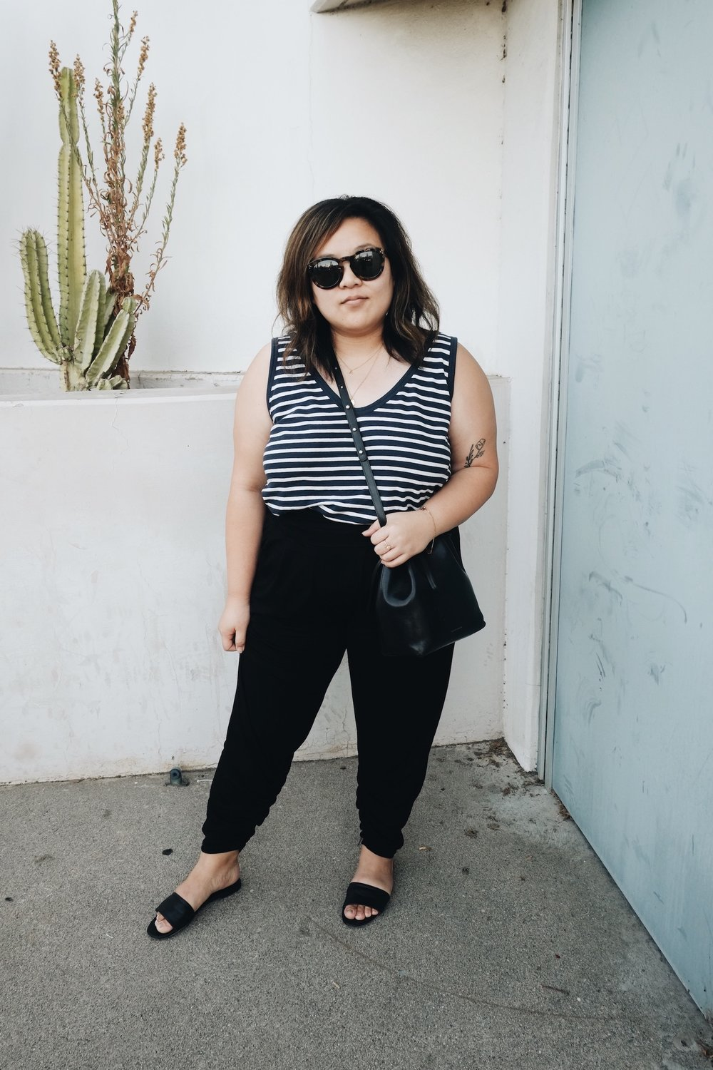 Simple minimalist style // A Week Of Minimalist Uniform Outfits With Jasmine Hwang From The Pleb Life on The Good Trade