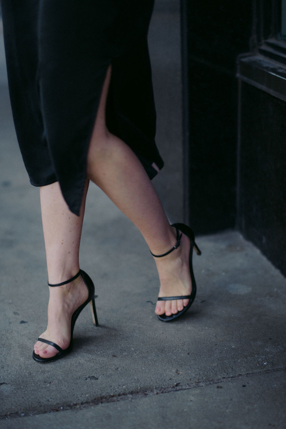 Minimalist shoes // A Week Of  Nashville-Chic Ethical Outfits With Jordan Soderholm, Fashion Director At ABLE on The Good Trade