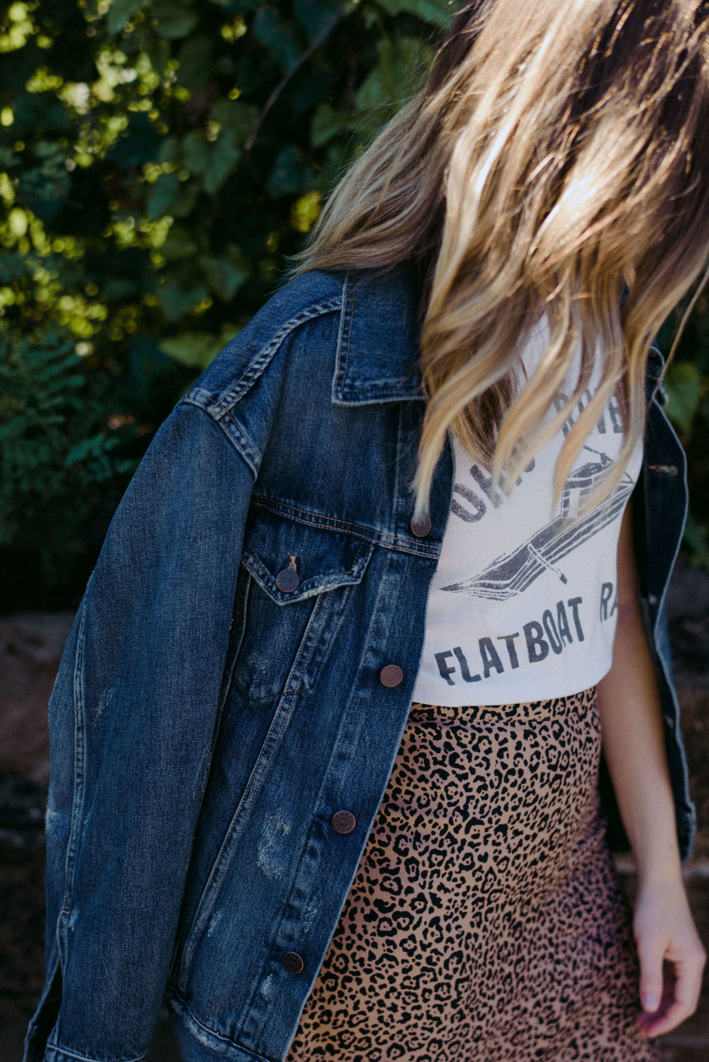 Denim jacket with leopard skirt outfit // A Week Of  Nashville-Chic Ethical Outfits With Jordan Soderholm, Fashion Director At ABLE on The Good Trade