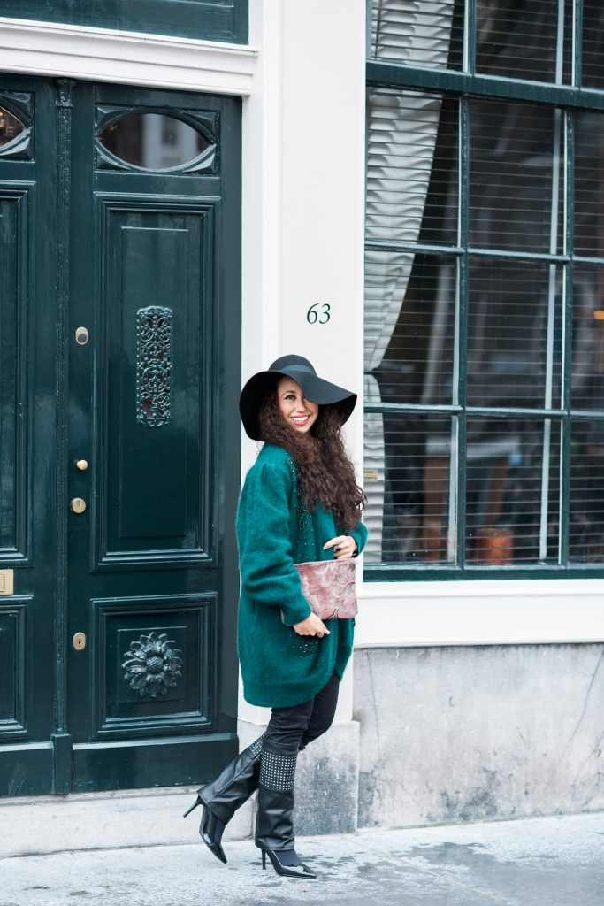 Floppy hat and green cardigan for fall // A Week Of Modern & Cozy Fall Outfits With Lifestyle Blogger & Life Coach Hailey Noa on The Good Trade