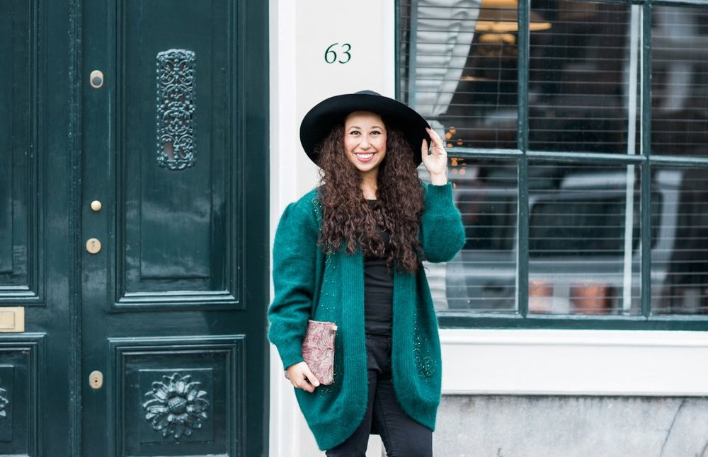 Outfit inspo for fall and winter // A Week Of Modern & Cozy Fall Outfits With Lifestyle Blogger & Life Coach Hailey Noa on The Good Trade