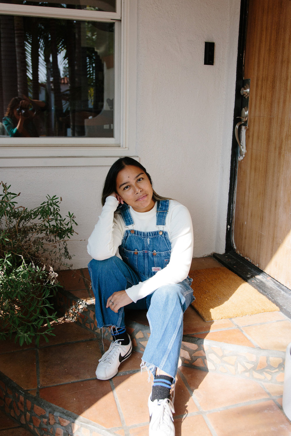 Vintage overalls outfit - A Week Of Super-Chill Conscious Fashion With Isadora Alvarez, Founder Of Back Beat Rags on The Good Trade