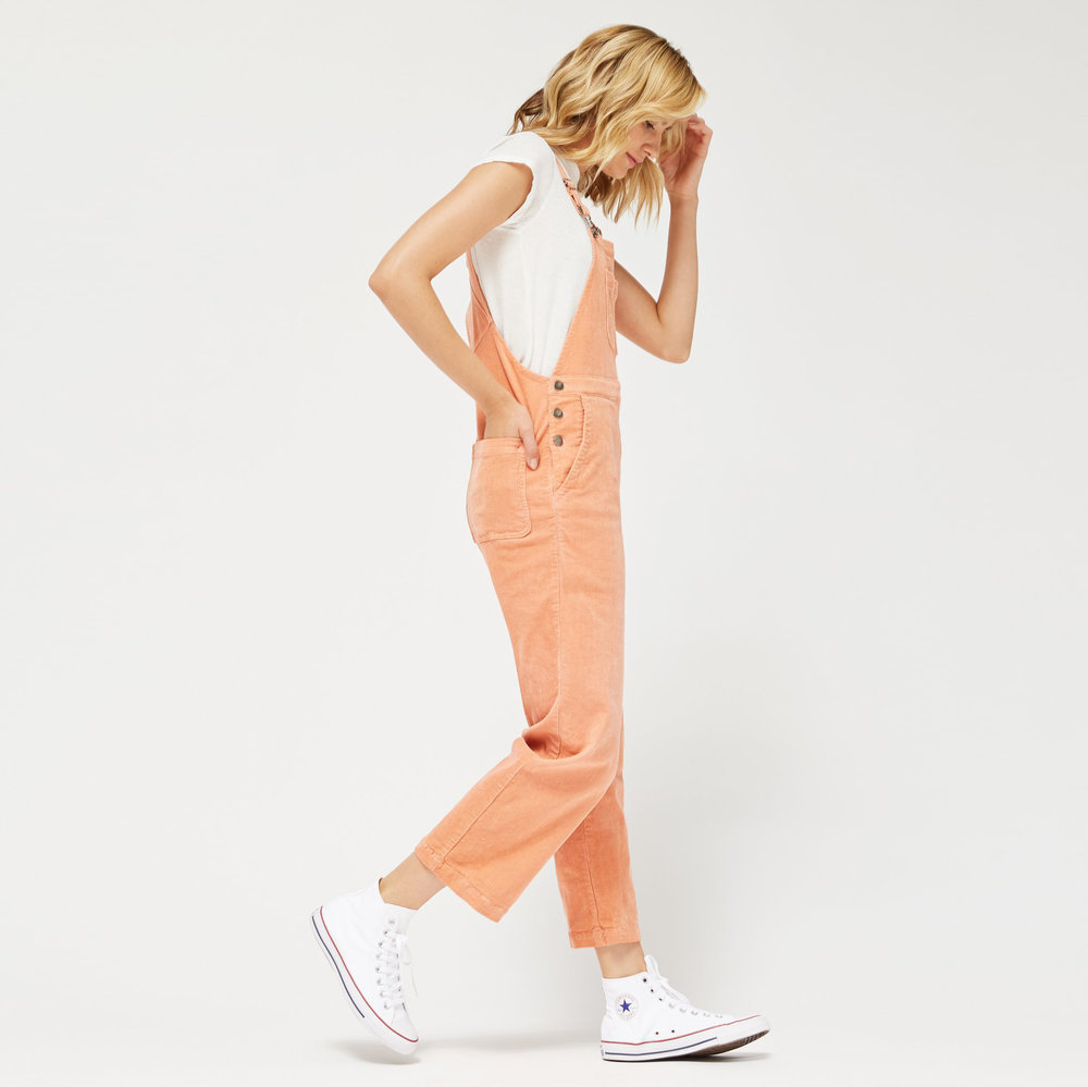 Overalls by LACAUSA // Hollywood Outfit Inspiration - Eighth Grade