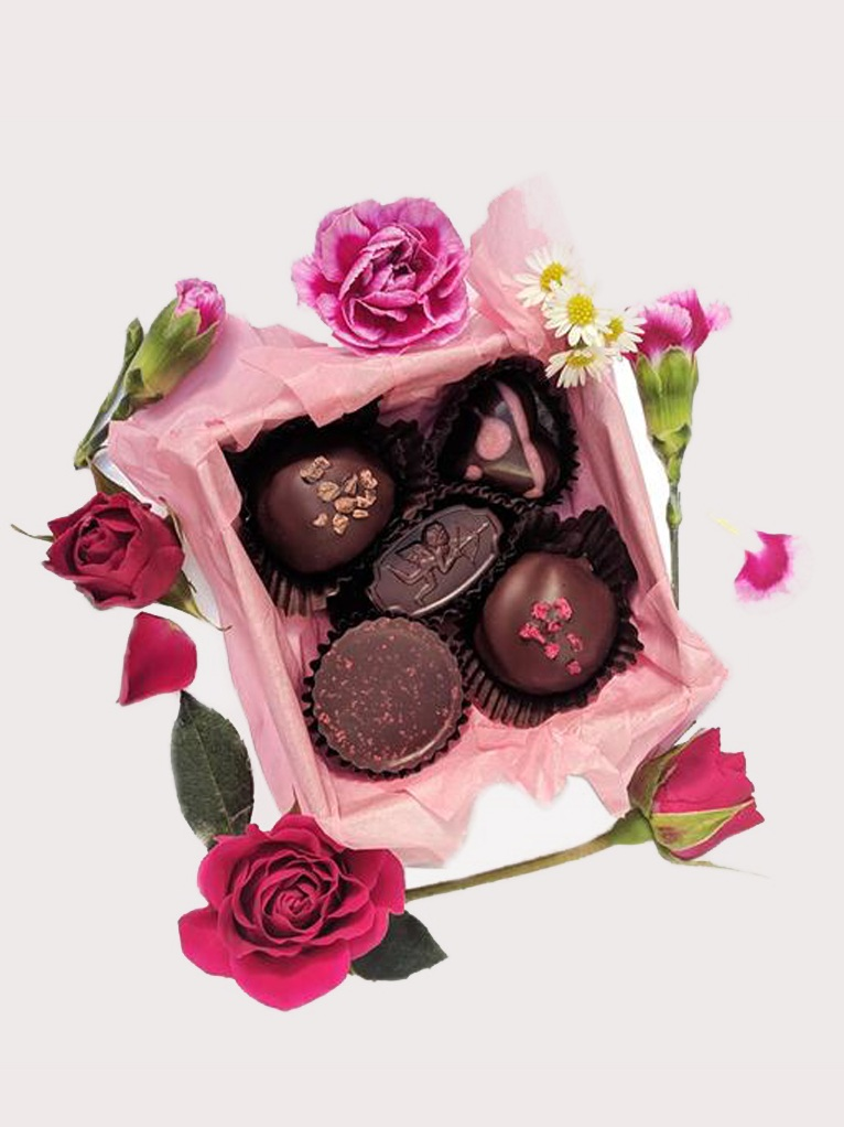Valentine's Chocolate Box by Coracao // Sustainable Valentine's Day Gift Ideas on The Good Trade