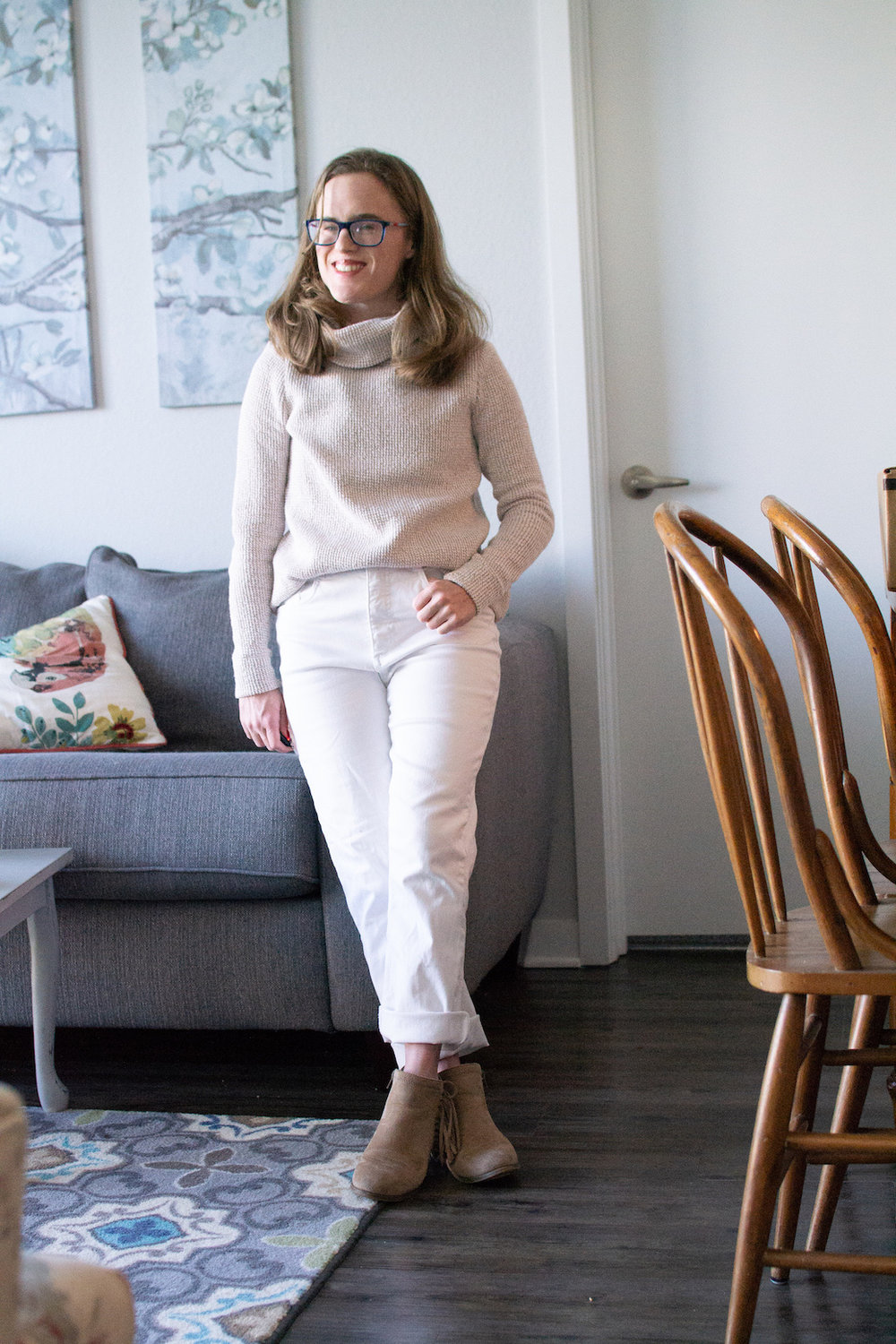 All white winter outfit // A Week Of Casual & Comfortable Secondhand Outfits With Lee Rogers From Layers Of Lee on The Good Trade