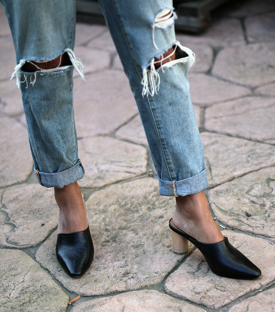 Sustainable denim  // A Week Of Thoughtful & Modern Outfits With Kat Vargas From Finding Katnis on The Good Trade