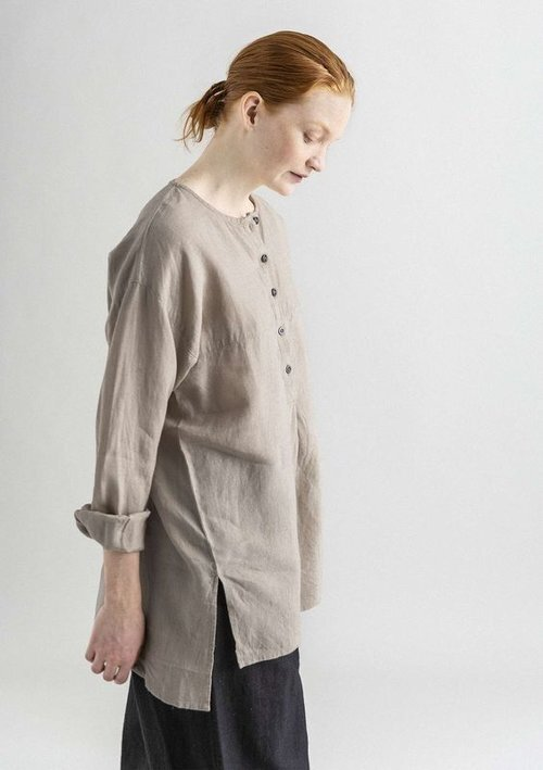 9 Easy & Breathable Linen Shirts For Warm Summer Days