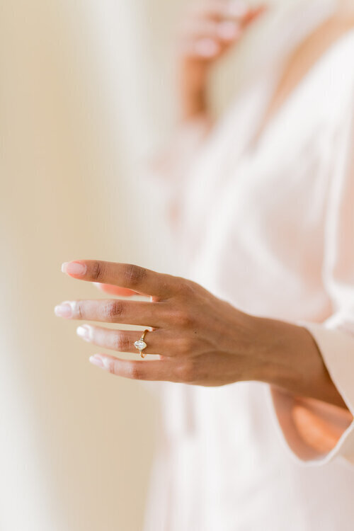 Stunning Large Imitation Diamond Rings For Women Ladies Wedding Engagement Gifts
