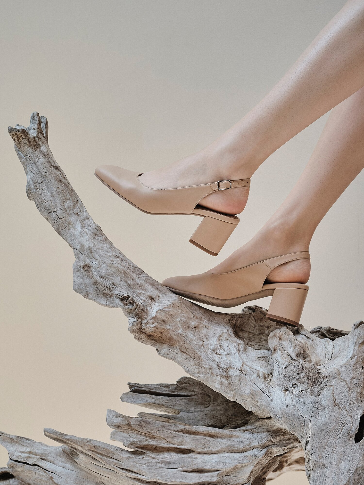 2910ba2b34d81 9 Vegan Shoe Brands That Are Stylish, Comfortable, & Cruelty-Free