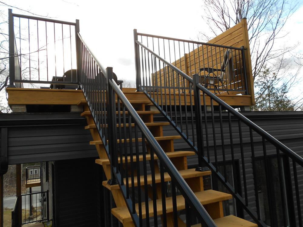 construction terrasse bois. Black Bedroom Furniture Sets. Home Design Ideas