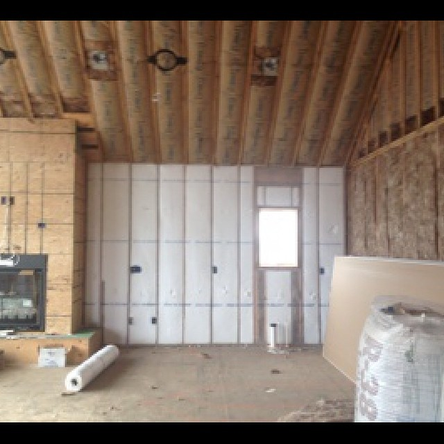 Blow-in-Blanket insulation system installed in the walls in Fremont Hills. Higher R-values, Fewer air gaps. Learn more. 417 467-8587